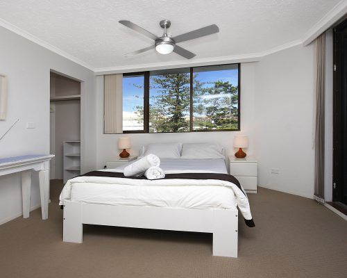 2 bedroom gold coast apartments spindrift on the beach - 2 bedroom apartments in gold coast ...